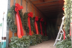 Large-wreaths-ready-to-go